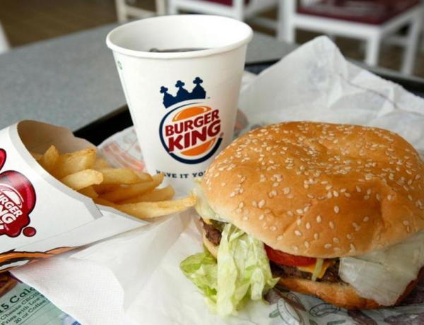 Burger King : Elle repart avec 2300€ à la place de sa commande !