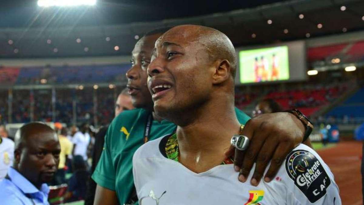 CAN : André Ayew s'effondre après la défaite du Ghana en finale