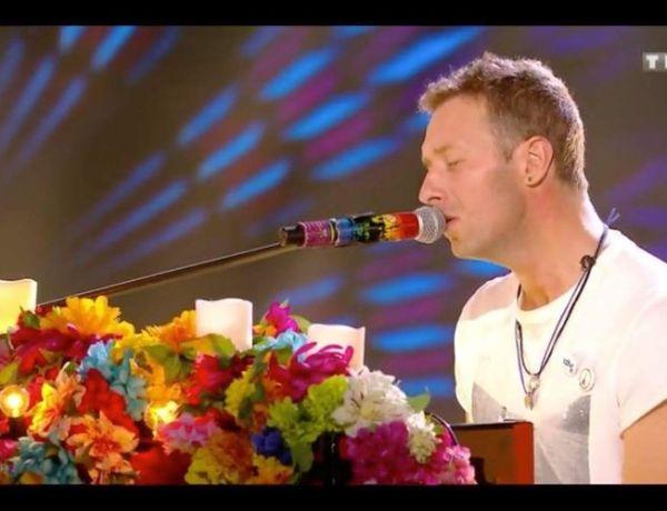 NRJ Music Awards : Louane, Coldplay, Charlie Puth rendent un émouvant hommage aux victimes du 13 novembre
