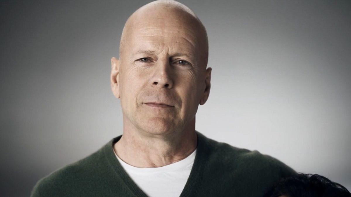 Bruce Willis prend peur… dans une attraction à Disneyland !