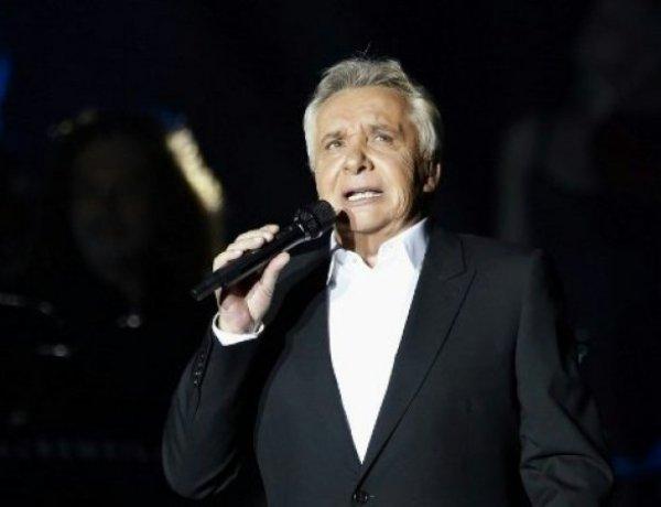 Michel Sardou : le chanteur reporte des concerts pour des problèmes de santé