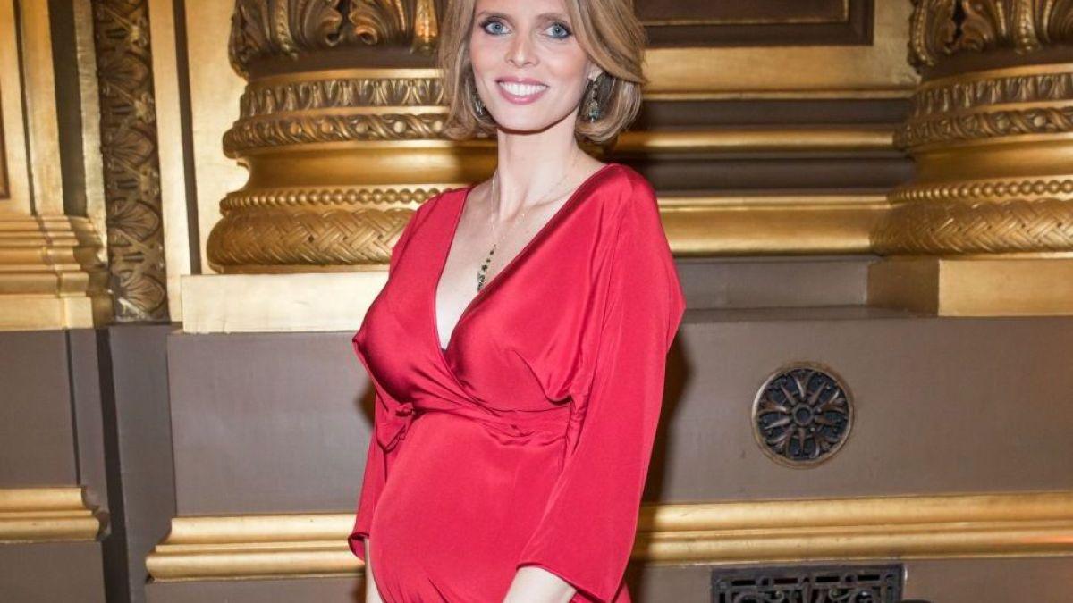 Sylvie Tellier enceinte : Accusée de mettre son bébé en danger, elle répond aux internautes !