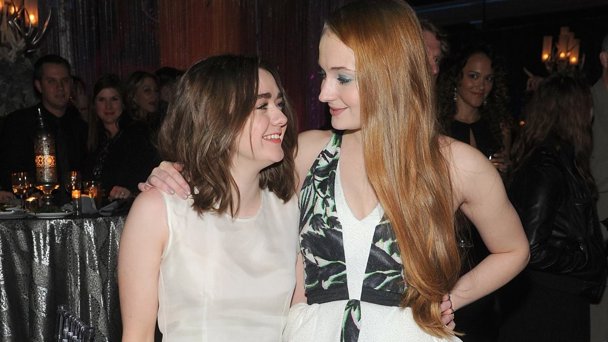 Game of Thrones : Comment Sophie Turner et Maisie Williams se détendaient sur le tournage