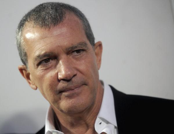 Antonio Banderas : Le comédien annonce avoir été testé positif au coronavirus