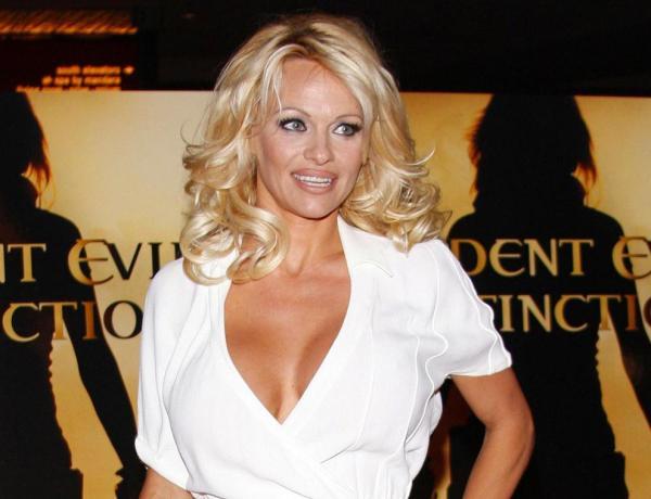 Pamela Anderson a écrit à Emmanuel Macron pour une raison très particulière
