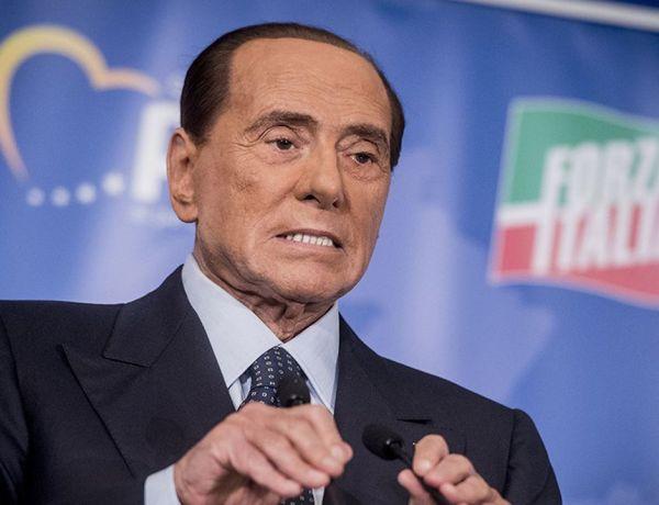 Silvio Berlusconi surpris avec sa très jeune compagne : la toile sous le choc