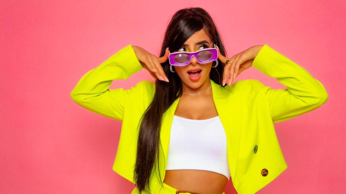Leila AD revient en force avec son clip «Petit Menteur»