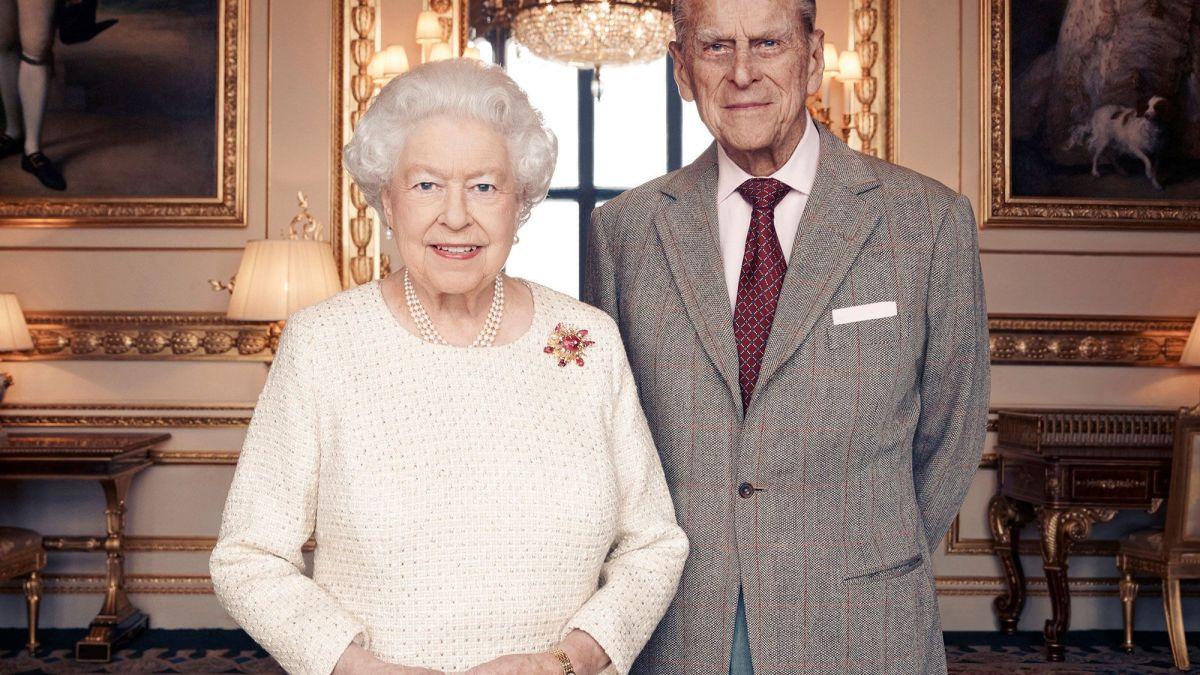 Elizabeth II : La reine va se faire vacciner publiquement contre le Covid-19 pour montrer l'exemple