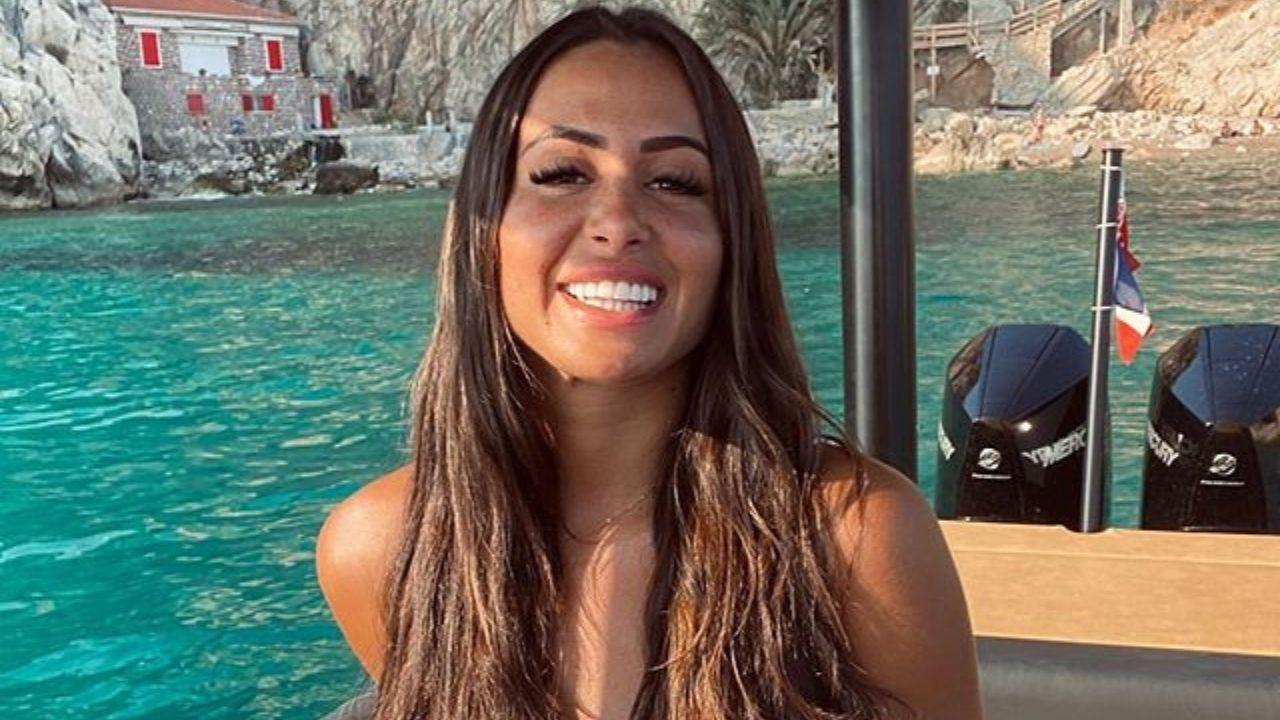 Marine El Himer : sa première photo depuis son opération des fesses divise les internautes