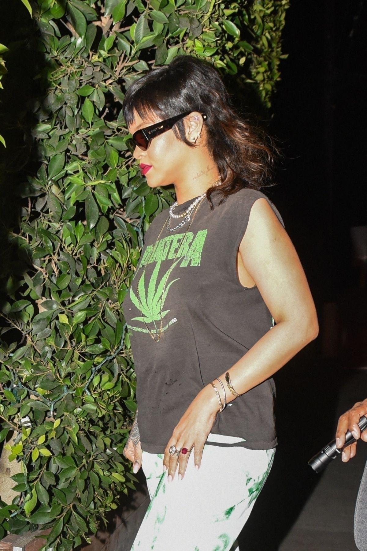 Rihanna ressuscite une tendance capillaire étonnante des années 70 !