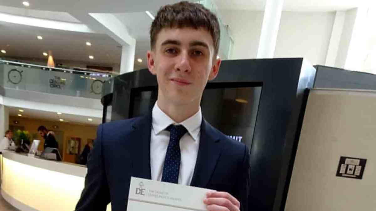 Angleterre : Un adolescent se réveille de 10 mois de coma sans savoir ce qu'est le Covid-19