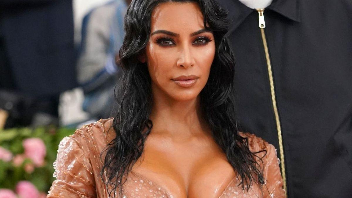 Kim Kardashian en bombe : sa première sortie en célibataire