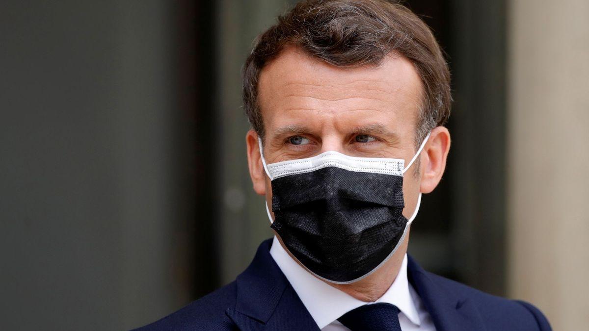 Emmanuel Macron : Il rend hommage aux 100 000 morts du Covid en France, ça ne passe pas