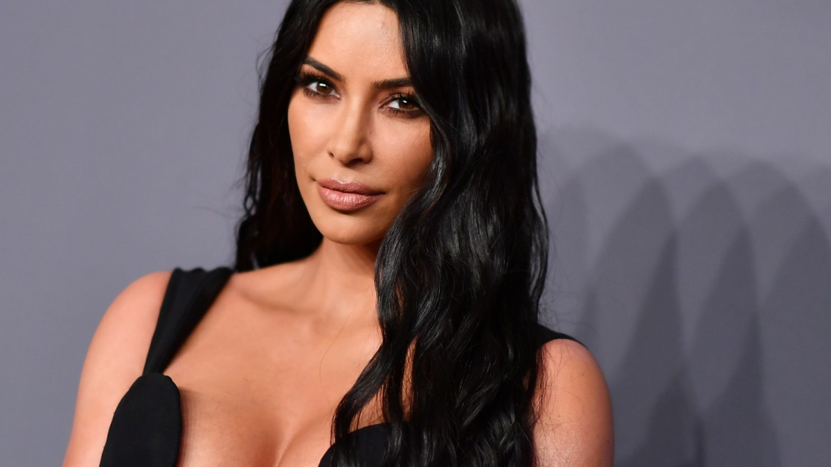 Kim Kardashian à nouveau en couple ? Pourquoi cette prétendue relation fait polémique