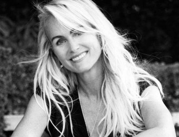 Laeticia Hallyday : Ce «truc monstrueux» qu'elle a fait à la tombe de Johnny Hallyday