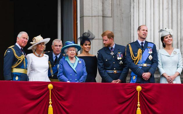 Le prince Harry semblait déjà bien à distance de la reine Elizabeth II, en janvier 2020