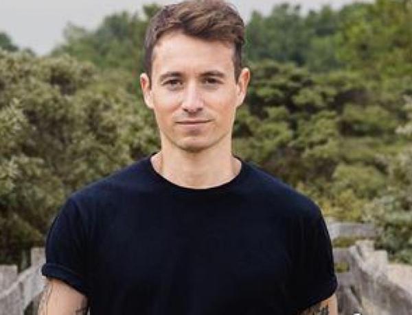 Hugo Clément et de nombreuses personnalités sous le choc après une agression homophobe en Corse