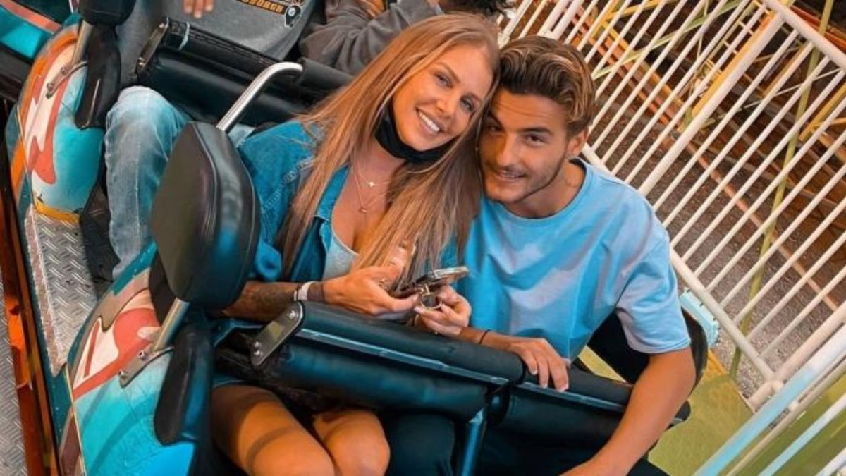Adixia Romaniello : Toujours aussi amoureuse de Simon Castaldi sur Instagram