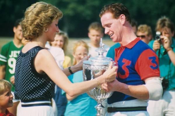Princesse Diana et James Hewitt lors d'un championnat de polo