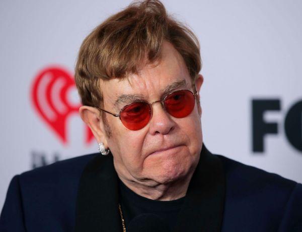 Elton John contraint d'annuler sa tournée : Le chanteur va devoir se faire opérer