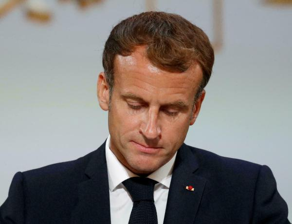 Emmanuel Macron : Après la gifle, le jet d'oeuf ! La vidéo dévoilée !