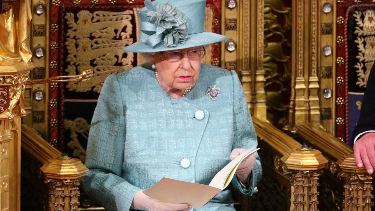 Pourquoi Elizabeth II a été mise en garde par des experts vis-à-vis du prince Harry et Meghan