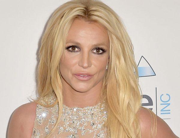 Britney Spears célèbre la fin de sa tutelle en posant entièrement nue !