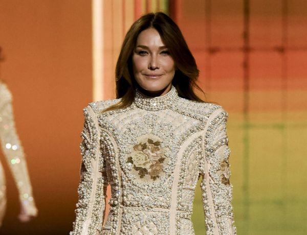 Paris Fashion Week : Carla Bruni et Naomi Campbell mettent le feu au défilé Balmain !