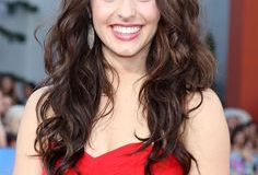 Kathryn McCormick Measurements, Height, Weight, Bra Size, Age, Wiki, Affairs