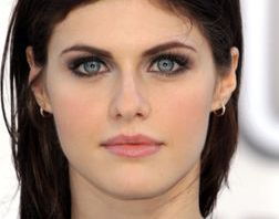 Alexandra Daddario Measurements, Height, Weight, Bra Size, Age, Wiki, Affairs