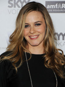 Alicia Silverstone Measurements, Height, Weight, Bra Size, Age, Wiki, Affairs