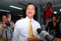 TV Patrol anchor Noli de Castro gets a rousing welcome from the news staff