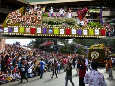 ABS-CBN Regional Network Group recently participated in the 2013 Panagbenga Floral Float Parade_2