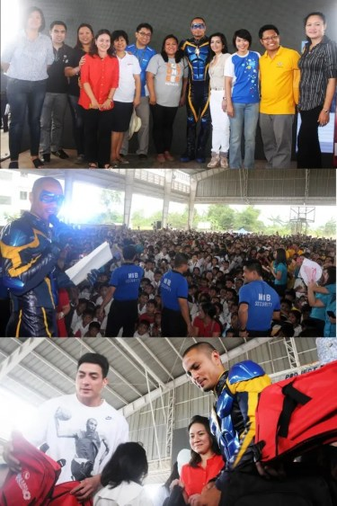 (Top photo): Derek Ramsay in his Kidlat costume is joined by (from left to right) Menchie Silvestre, Executive Director of Alagang Kapatid Foundation, Inc;  Dr. Deo Pangwi, of Makati Medical Center; Maricar Pangilinan of Metro Pacific Tollways Corporation Community Relations; Esther Santos, President of PLDT-SMART Foundation; Evelyn del Rosario of PLDT Community Relations; Darwin Flores of SMART Community Partnership; Joane Sotto of ONE MERALCO Foundation; Melody del Rosario, VP Public Relations and Corporate Communications of Metro Pacific Investments Corporation; Stephanie Orlino of SMART Community Partnership-Education; Arcie Mallari, Founder/Executive Director of Silid-Aralan, Inc and Ma. Teresa Querido, School Principal, Kasiglahan Village Elementary School. Aside from storytelling, the Kidlat star also handed out backpacks to the students with the help of co-star Wendell Ramos (shown in the bottom photo).