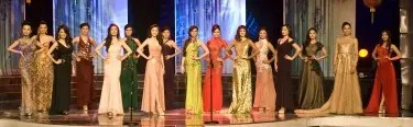 Miss Chinatown Philippines 2013 candidates in formal evening wear