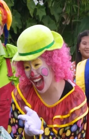 Angeline Quinto plays clown in MMK this Saturday__