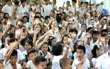 More than 200 students of Ramon Camus Elementary School were all smiles as the 'Juan dela Cruz' team treat them with many surprises
