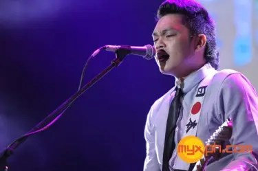 Silent Sanctuary at MYX Mo 2013