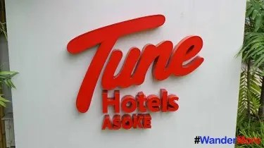 Tune-Hotel-Title-Card