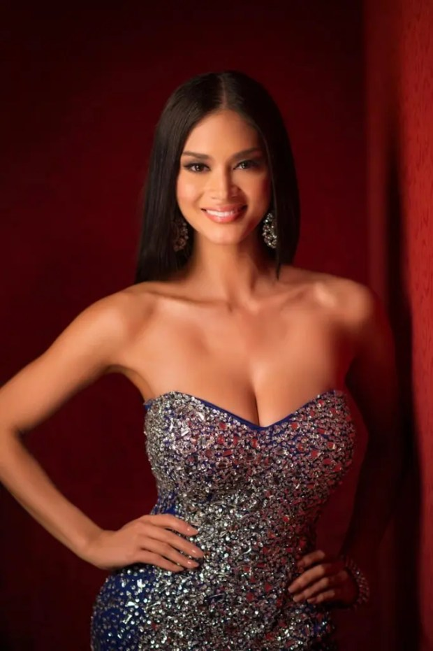 Pia Alonzo Wurtzbach, Miss Philippines 2015 poses in her evening gown upon arriving to Planet Hollywood Resort & Casino. The 2015 Miss Universe contestants are touring, filming, rehearsing and preparing to compete for the DIC Crown in Las Vegas. Tune in to the FOX telecast at 7:00 PM ET live/PT tape-delayed on Sunday, Dec. 20, from Planet Hollywood Resort & Casino in Las Vegas to see who will become Miss Universe 2015. HO/The Miss Universe Organization --LIGHT RETOUCHING--