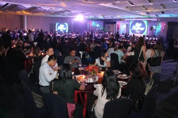 Crowd at ABS-CBN Gabi ng Pangarap Trade Event