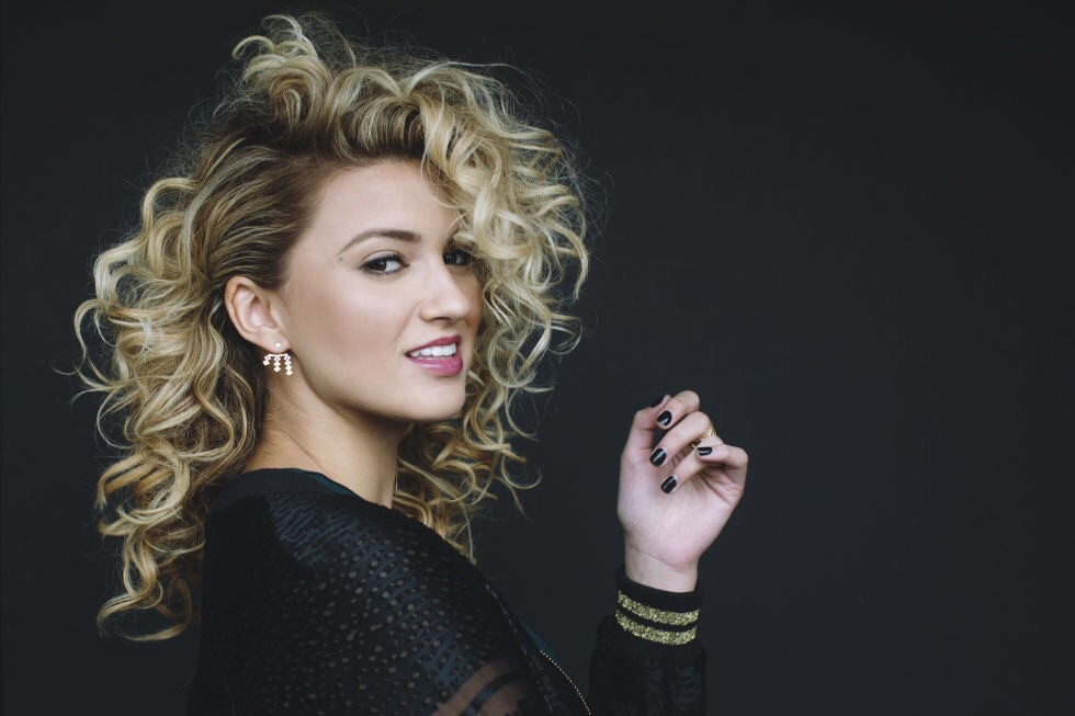 "TORI KELLY con il suo primo album ""UNBREAKABLE SMILE"""