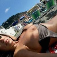 Palcoscenico: Marika Fruscio ultimi scatti al mare