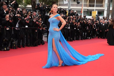 """CANNES, FRANCE - MAY 14: Blake Lively attends """"The BFG (Le Bon Gros Geant - Le BGG)"""" premiere during the 69th annual Cannes Film Festival at the Palais des Festivals on May 14, 2016 in Cannes, France. (Photo by Gisela Schober/Getty Images)"""