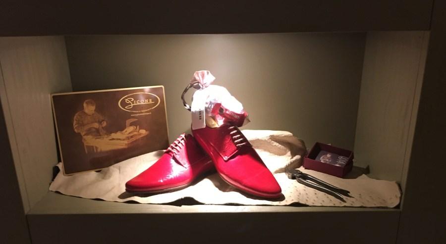 casa-vissani_interior-design_scarpe-rosse-vissani