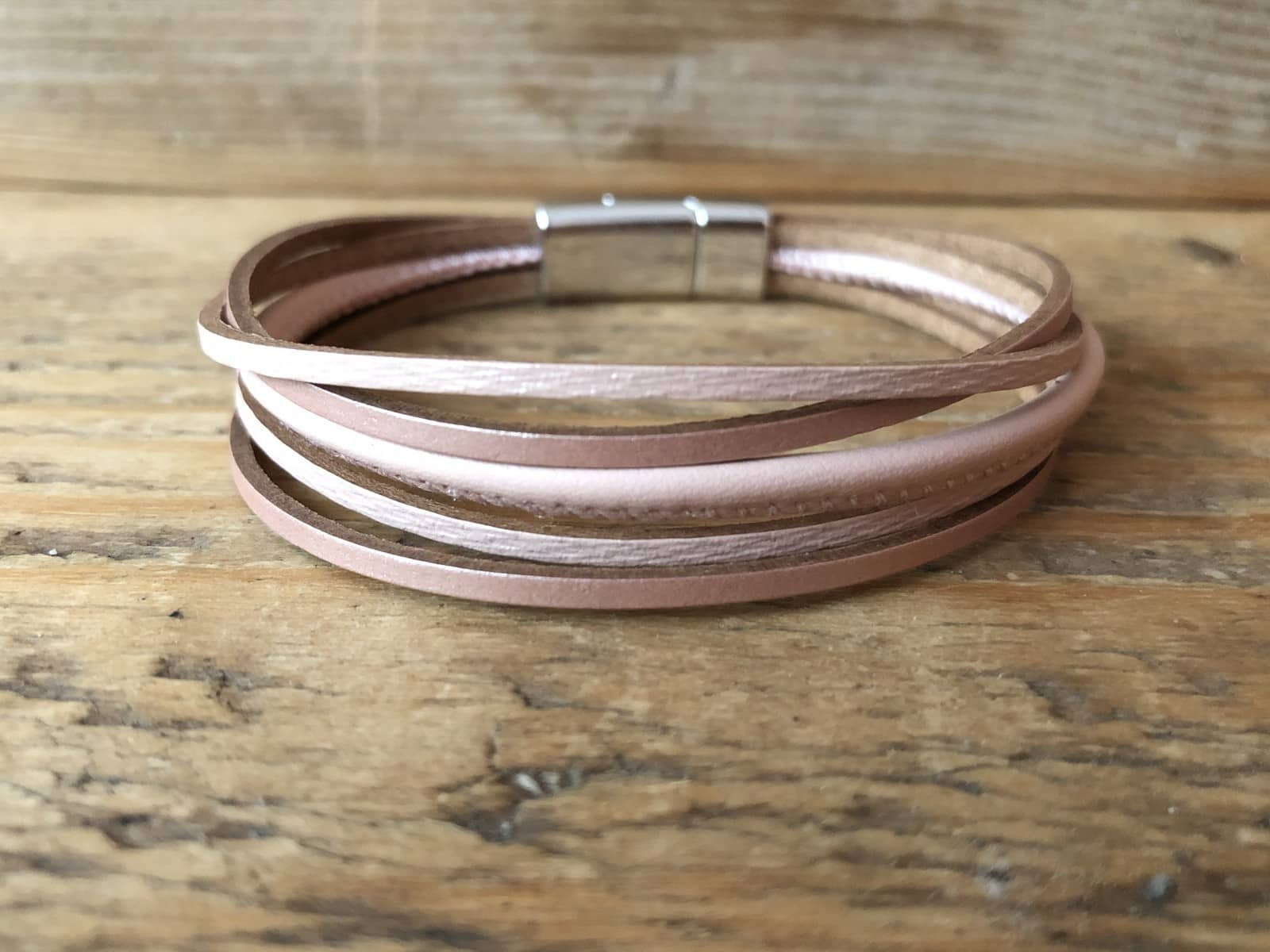 Oud roze leren armband