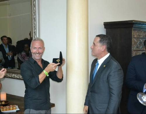 Ola Ahlvarsson Keys to Miami Mayor Philip Levine