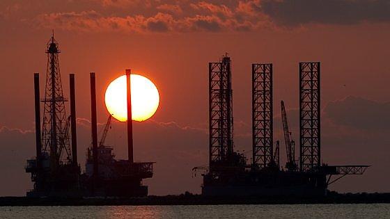 Потому что низкие цены на нефть не всегда удача