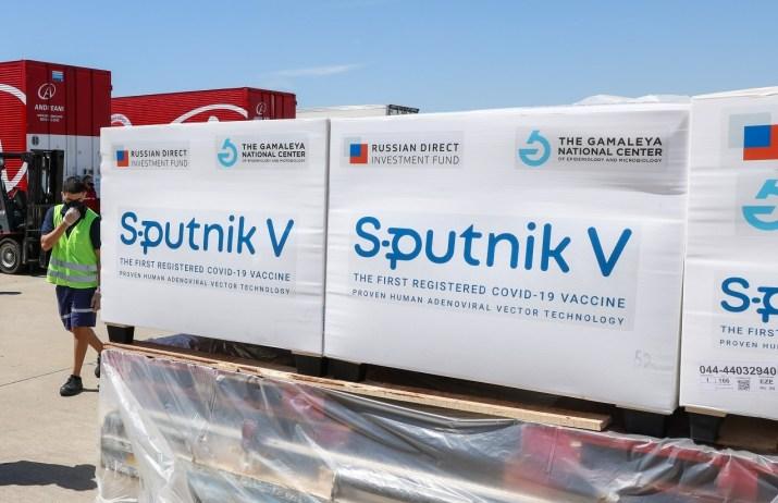 ¿Quién está aplastando la vacuna Sputnik?
