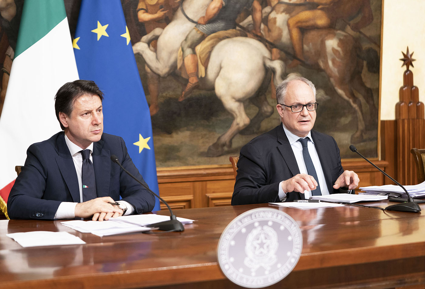Il Domani di Feltri揭示了恢復計劃中孔戴和古埃蒂的失敗